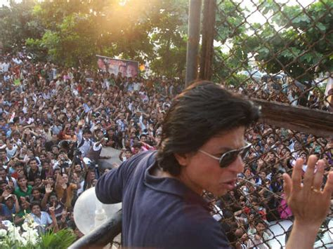 Shahrukh Khan Thanks Fans For Birthday Wishes - Filmibeat