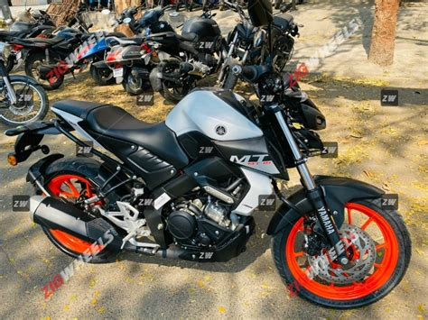 Yamaha MT-15 BS6 In New Ice Fluo Vermillion Colour Reaches
