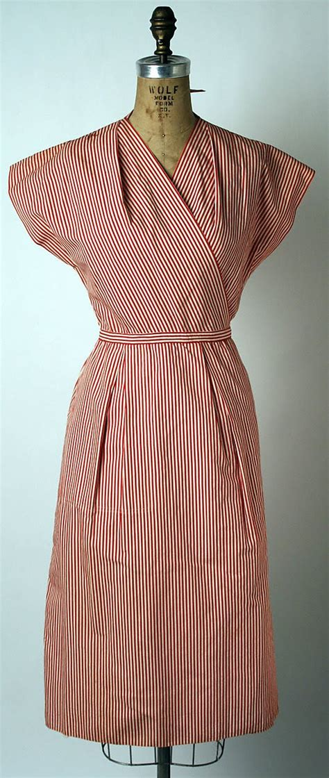 "Fashionable Forties: The ""Popover dress"""