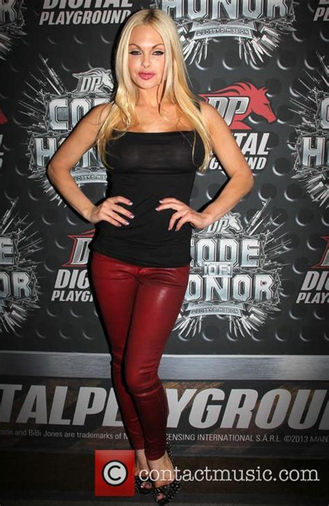 Jesse Jane - Official AVN Awards Pre-Party   4 Pictures
