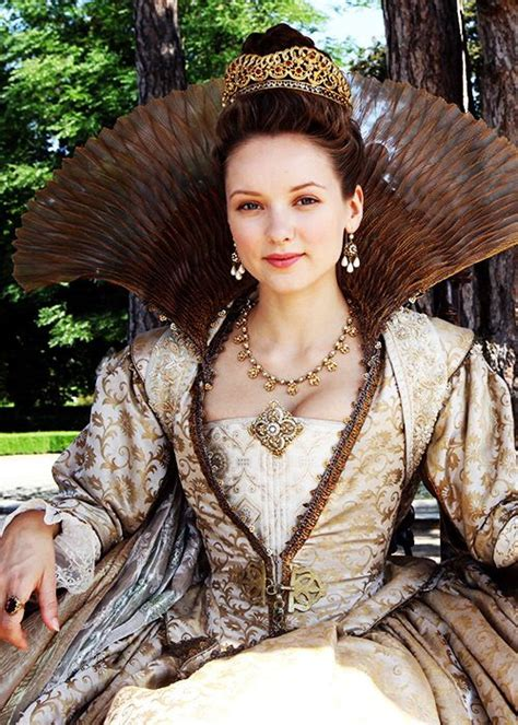 Alexandra Dowling in 'The Musketeers' (2014) | Musketeers