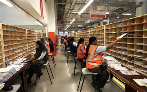 Royal Mail shares slump for second day in a row - CityAM