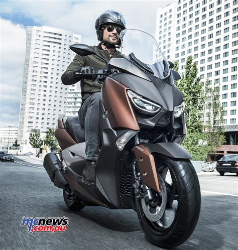 2017 Yamaha X-Max 300 | New big scoot from Yamaha | MCNews