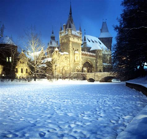 Budapest in Winter - Christmas Markets, New Years Eve programs