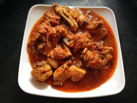 Spicy Onion Tomato Chicken Red Gravy Curry Recipe - Indian