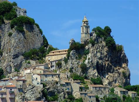 Living on the rocks, a photo from Isernia, Molise | TrekEarth